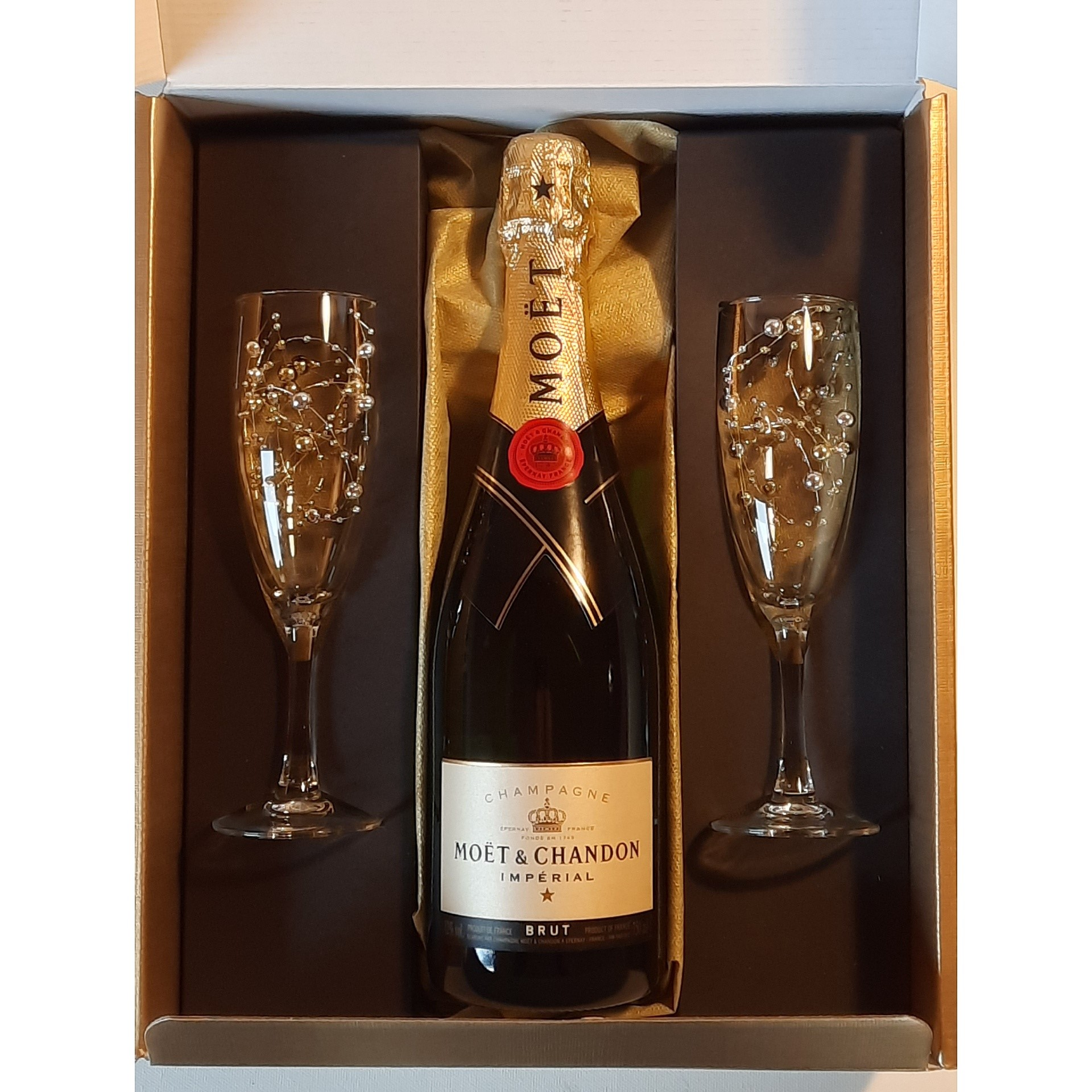 Moet-2-glass-Gift-set-The-Art-Of-Bubbles-